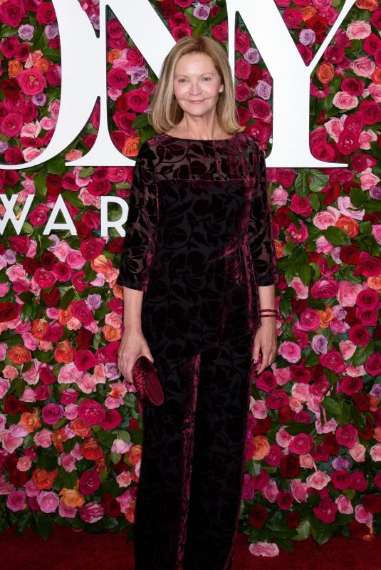 JOAN ALLEN at 2018 Tony Awards in New York 06/10/2018