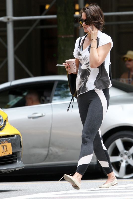 KATIE HOLMES Heading to a Gym in New York 06/26/2018