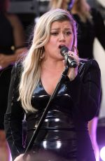 KELLY CLARKSON Performs at Today Show Concert Series in New York 06/08/2018