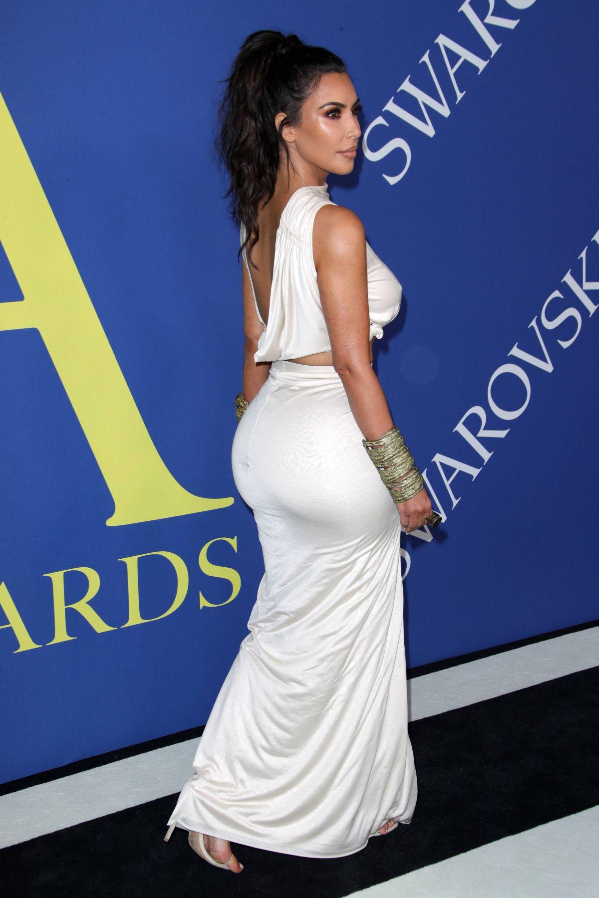 Kim Kardashian Rents Party Bus In Las Vegas To Destress ...   Kim Kardashian