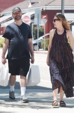 LESLIE MANN and Judd Apatow Shopping at Brentwood Country Mart 06/03/2018