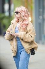 LOTTIE MOSS Leaves a Hairdressers in London 06/12/2018