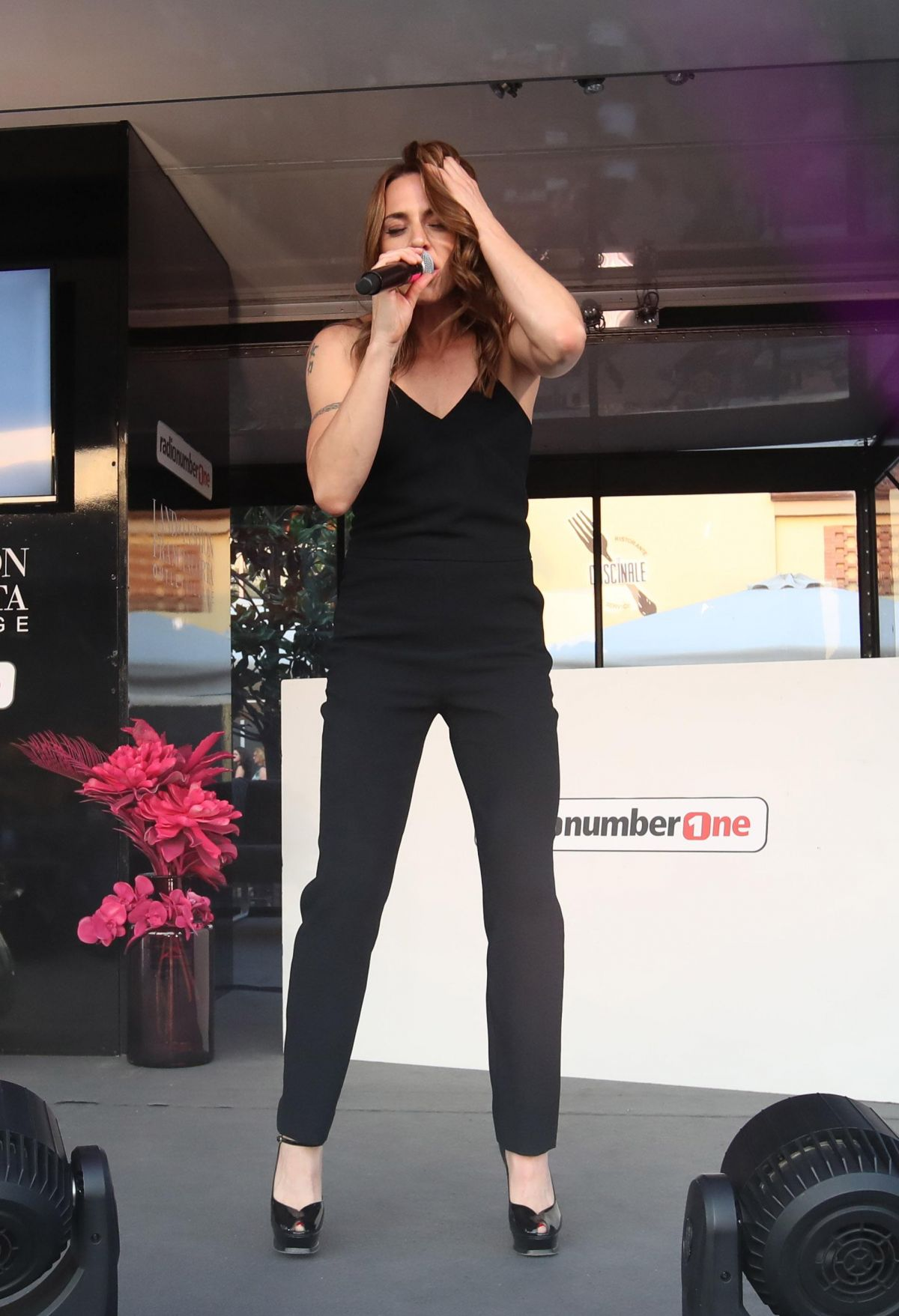 buy popular ff364 b349f MELANIE CHISHOLM Performs at Franciacorta Outlet of Rodengo ...