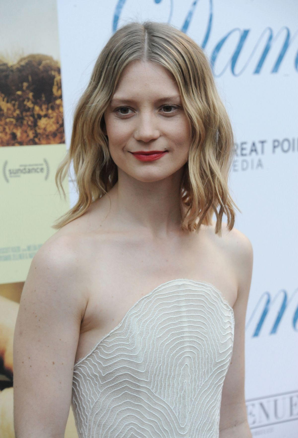 Mia At The 2016 Fashion Prom Dress Promo: MIA WASIKOWSKA At Damsel Premiere In Los Angeles 06/13