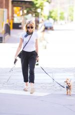 NAOM I WATTS Walks Her Dog Out in New York 06/12/2018