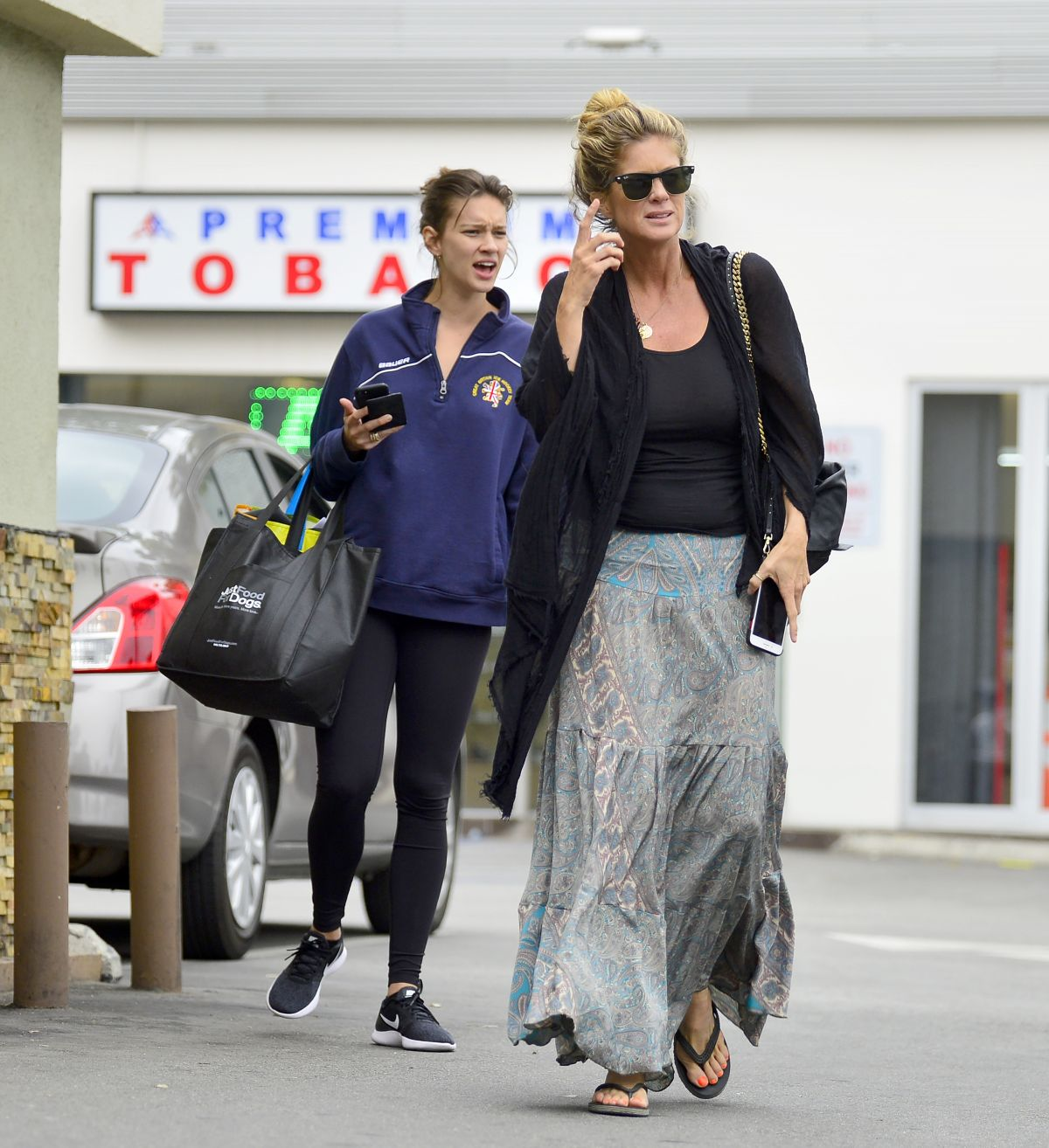 Rachel And Renee Hunter Out For Lunch In Los Angeles 05 30 2018