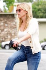 REESE WITHERSPOON Out in Los Angeles 06/16/2018
