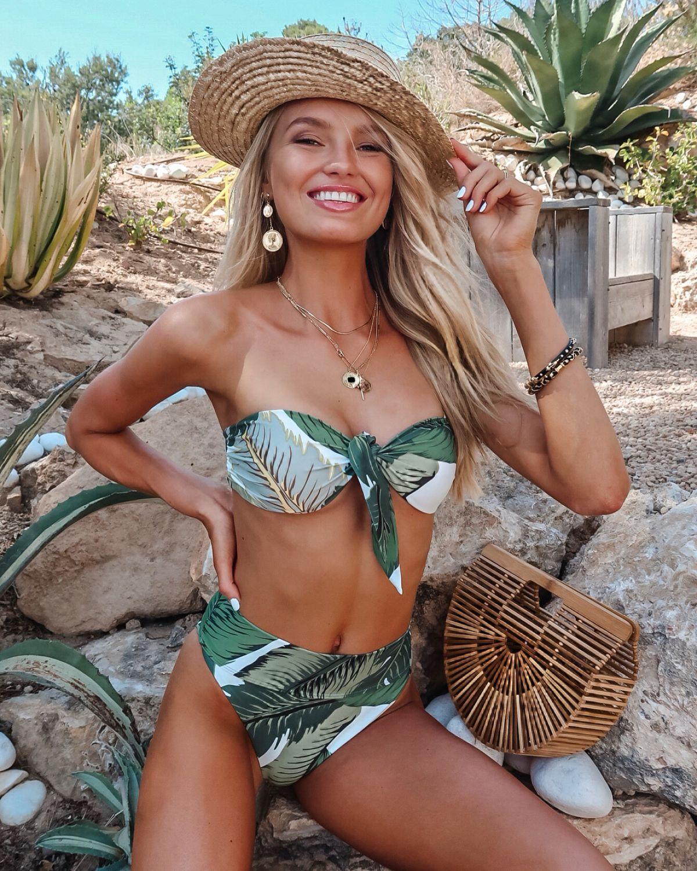 Watch Romee strijd bikini 2 video