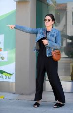 SANDRA BULLOCK Out for Lunch in Los Angeles 06/19/2018