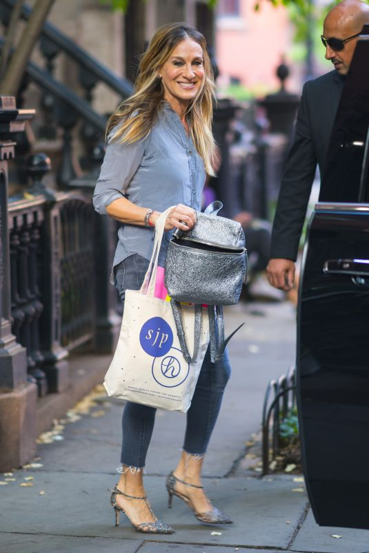 SARAH JESSICA PARKER Out and About in New York 06/01/2018