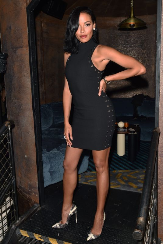 SELITA EBANKS at Backstage Secrets: A Decade Behind the Scenes at Victoria