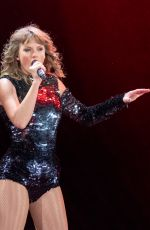 TAYLOR SWIFT Performs at Reputation Tour in Chicago 06/01/2018