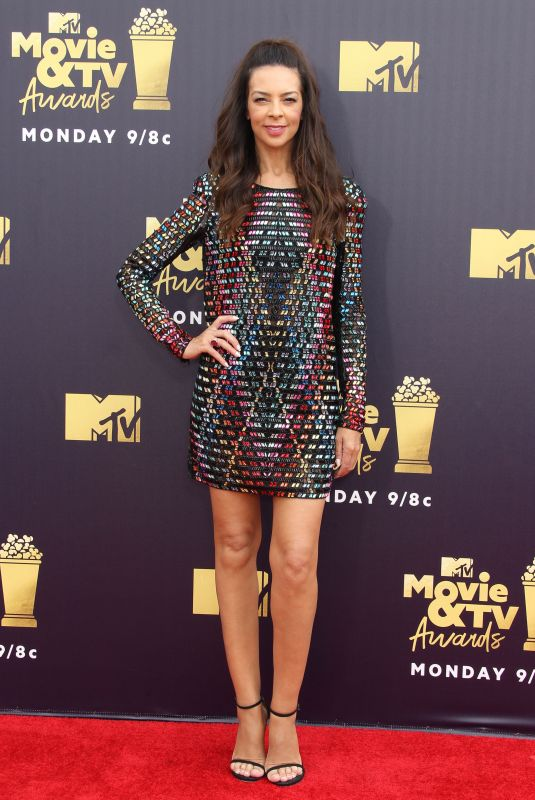 TERRI SEYMOUR at 2018 MTV Movie and TV Awards in Santa Monica 06/16/2018