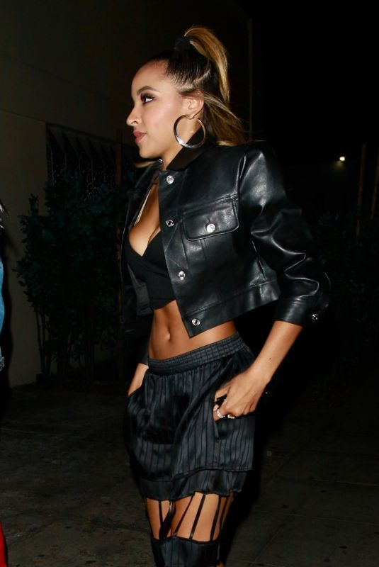 TINASHE at Delilah Night Club in West Hollywood 06/14/2018