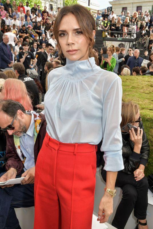 VICTORIA BECKHAM at Dior Homme Spring/Summer Fashion Show in Paris 06/23/2018