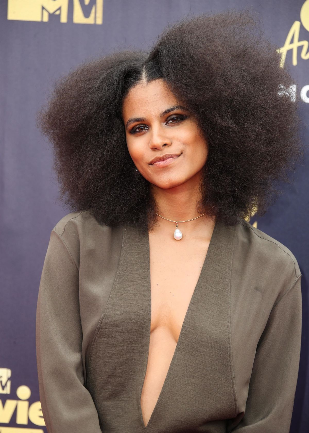 Topless Zazie Beetz nude (27 photo), Tits, Hot, Twitter, butt 2018