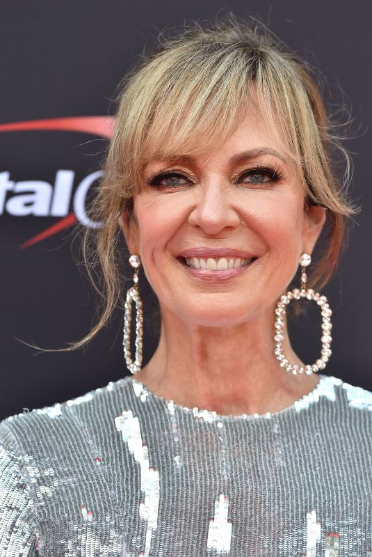 ALLISON JANNEY at 2018 Espy Awards in Los Angeles 07/18/2018