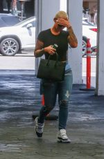 AMBER ROSE Leaves a Dermatologists in Beverly Hills 07/20/2018