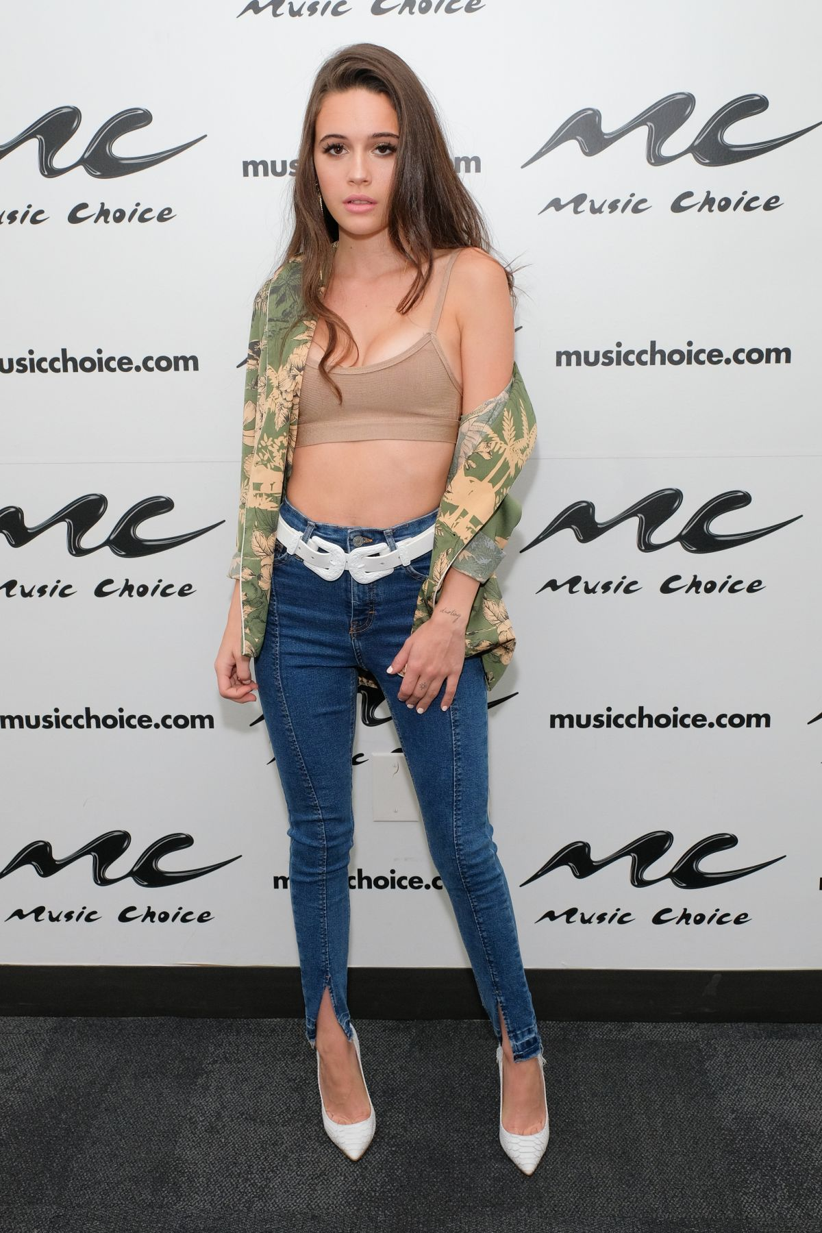 Bea miller at music choice in new york 06 21 2018 hawtcelebs - Bea miller wallpaper ...