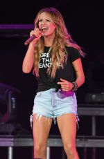 CARLY PEARCE Performs at Coral Sky Amphitheatre in West Palm Beach 07/21/2018