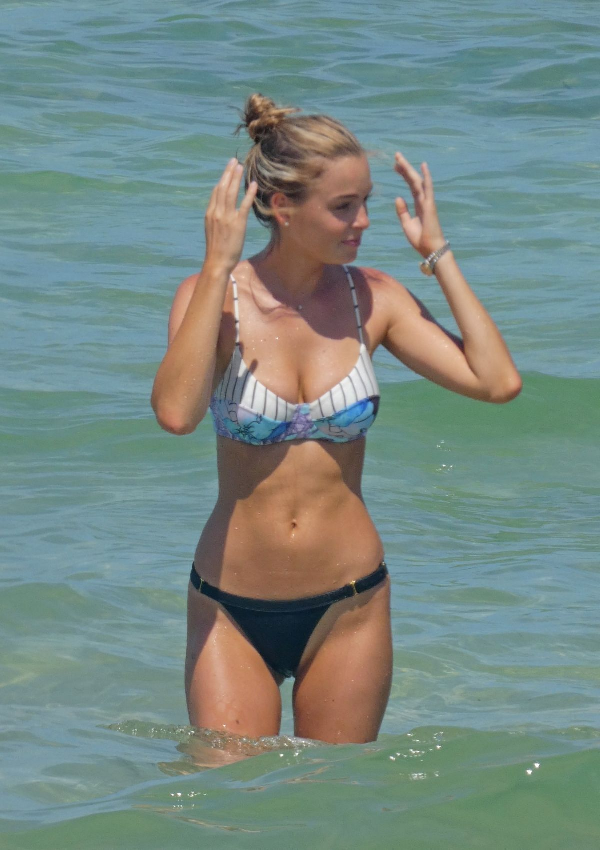 Bikini Elizabeth Turner naked (41 photo), Sexy, Sideboobs, Instagram, braless 2006