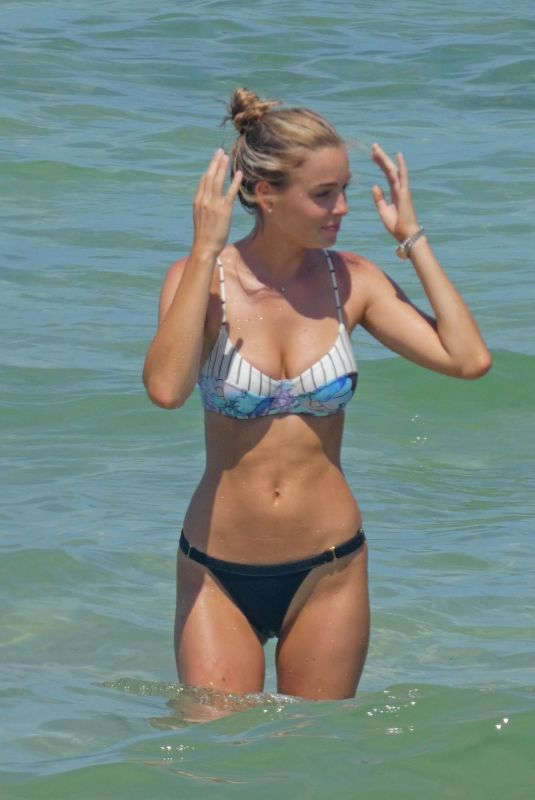 ELIZABETH TURNER in Bikini at a Beach in Miami 07/15/2018