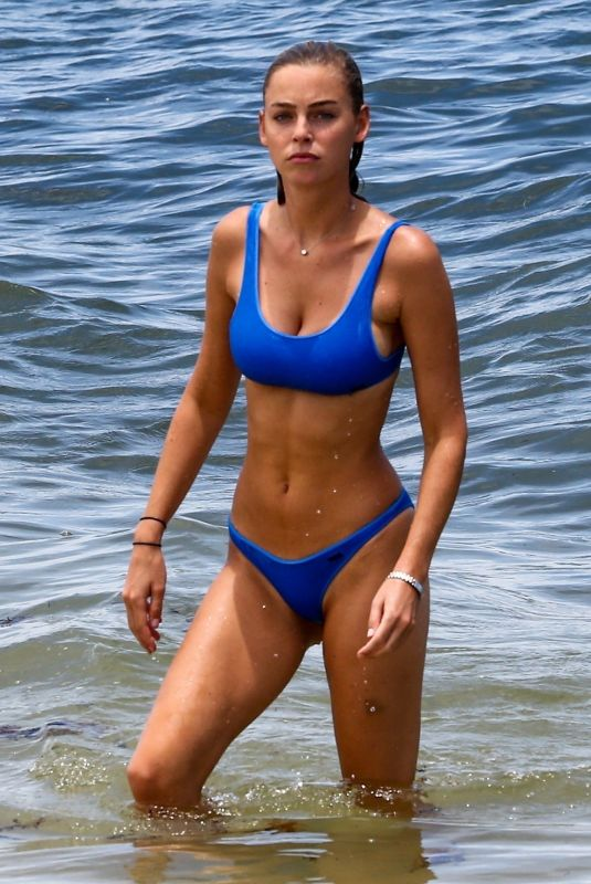ELIZABETH TURNER in Bikini at a Beach in Miami 07/16/2018