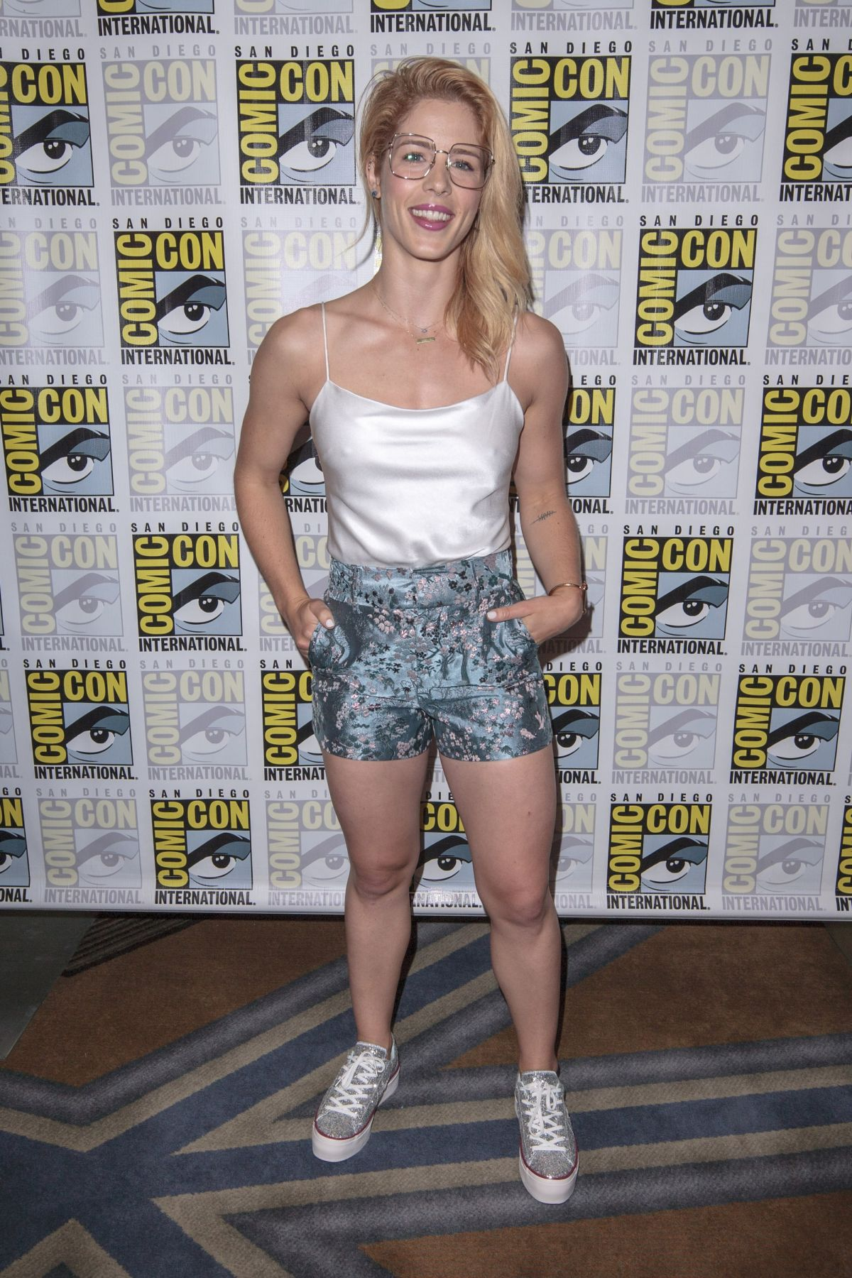 Emily Bett Rickards At Comic Con 2018 In San Diego 07 21 2018