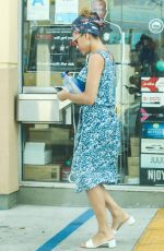 EVA MENDES Shopping at Convenience Store in Los Angeles 07/12/2018
