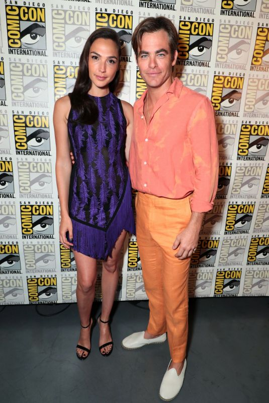 GAL GADOT and Chris Pine at Warner Bros Photocall at Comic-con in San Diego 07/21/2018