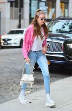 GIGI HADID Arrives at Her Apartment in New York 07/17/2018