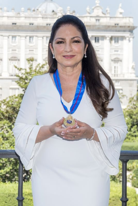 GLORIA ESTEFAN Receives Gold Medal of Merit in Madrid 07/23/2018