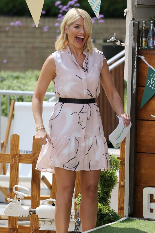 HOLLY WILLOGHBY Filming Outside ITV Studios in London 07/09/2018