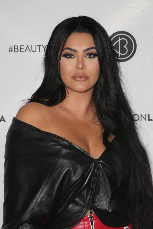 HRUSH ACHEMYAN at Los Angeles Beautycon Festival 07/14/2018