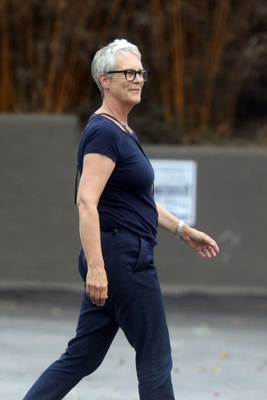 JAMIE LEE CURTIS Out in Pacific Palisades 07/26/2018