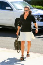 JENNIFER GARNER Out and About in Los Angeles 07/22/2018