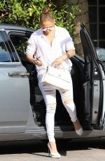 JENNIFER LOPEZ Arrives at a Studio in Los Angeles 07/11/2018