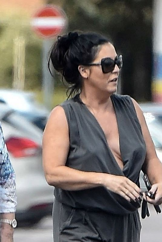 JESSIE WALLACE Out and About in London 07/17/2018