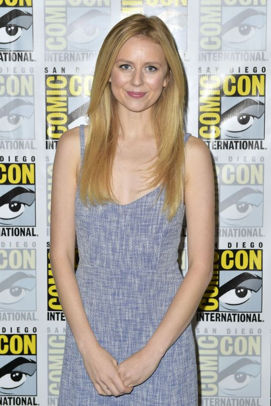 JUSTINE LUPE at Van Helsing Panel at Comic-con in San Diego 07/19/2018