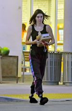 KENDALL JENNER Out for a Slice of Pizza in Los Angeles 07/01/2018
