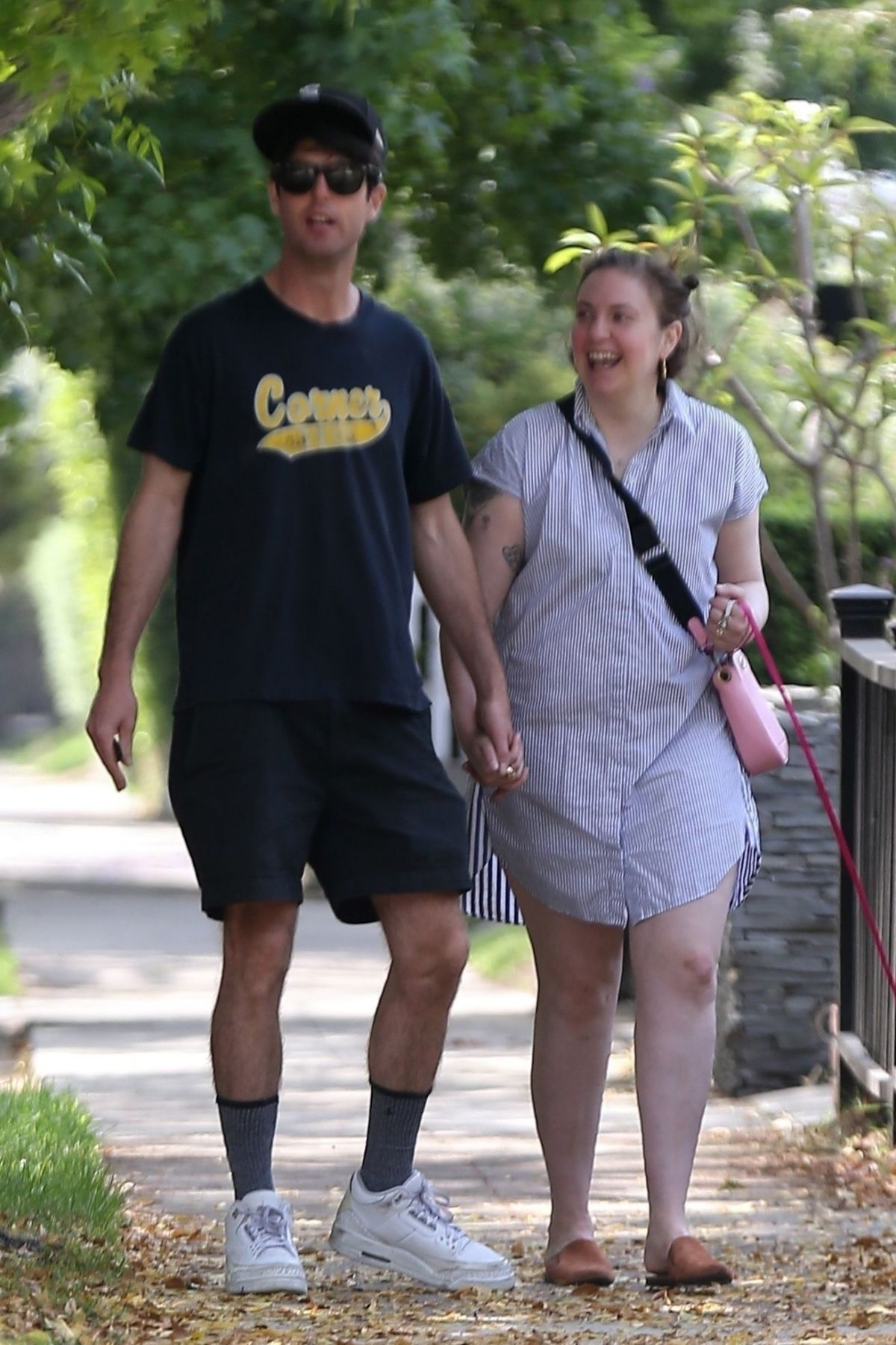 View Lena Dunham Boyfriend Pictures