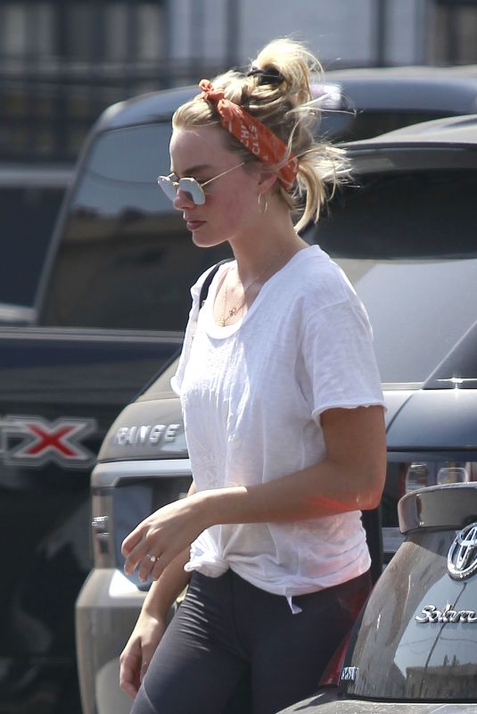 MARGOT ROBBIE Arrives at a Gym in Los Angeles 07/25/2018