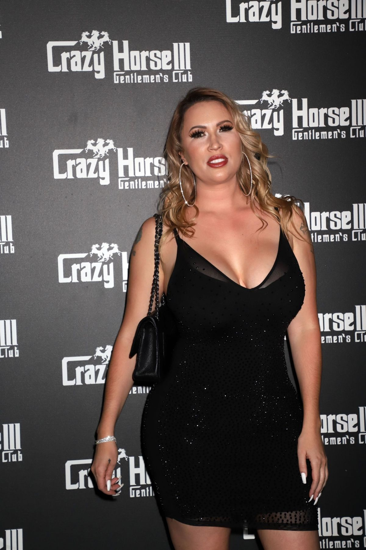 melissa meeks at her divorce party at crazy horse 3