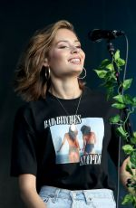 NINA NESBITT Performs at Wireless Festival in Finsbury Park in London 07/08/2018
