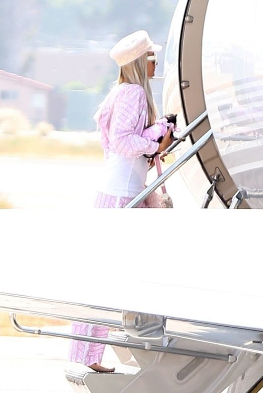 PARIS HILTON Boarding a Private Jet in Los Angeles 07/28/2018