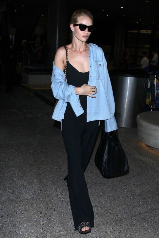 ROSIE HUNTINGTON-WHITELEY at Los Angeles International Airport 07/08/2018