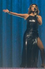 SHANIA TWAIN Performs at Wells Fargo Center in Philadelphia 07/12/2018