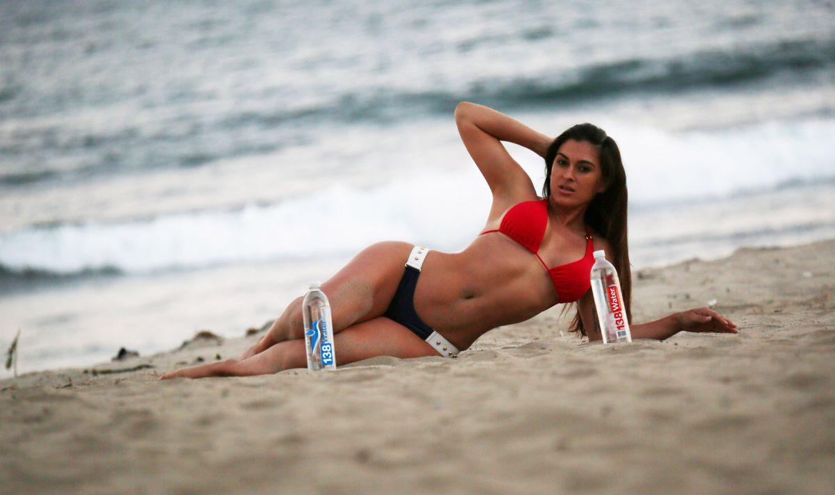 Twitter Megan Frey nudes (14 photo), Sexy, Bikini, Instagram, braless 2015