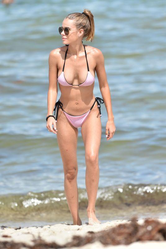 SIF SAGA in Bikini on the Beach in Miami 07/12/2018