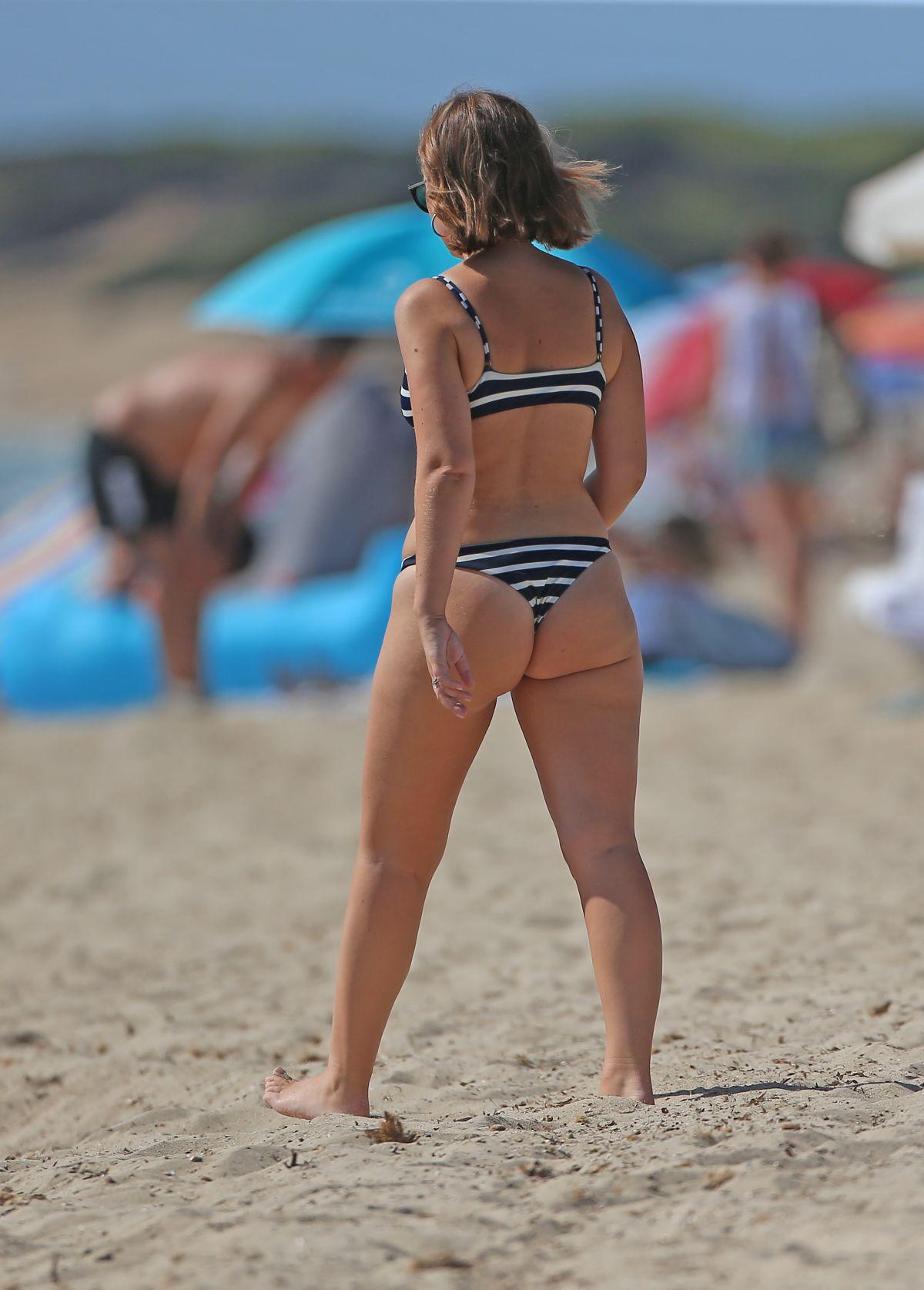 Tanya Burr Bikini Nude Photos 60